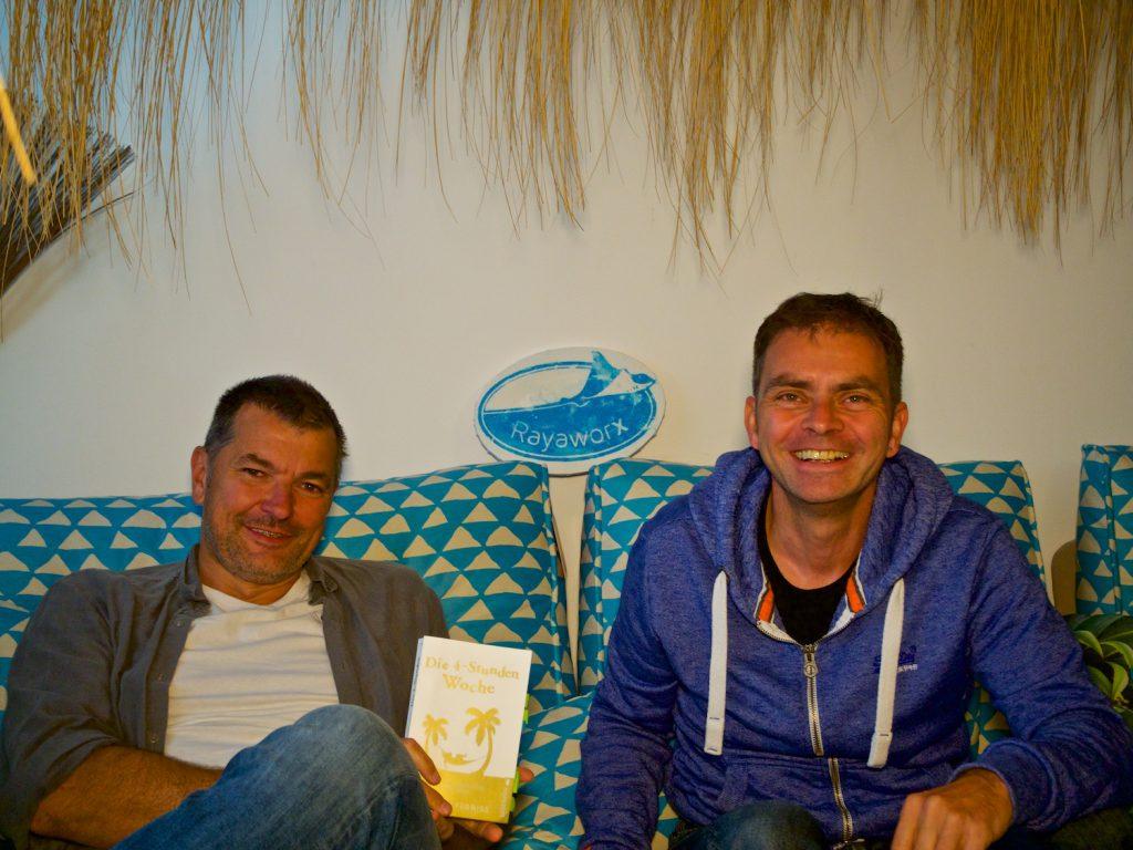Interview unterm Sonnenschirm bei Rayaworx auf Mallorca