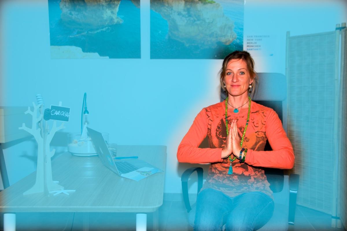 yoga laptop asana samasthiti