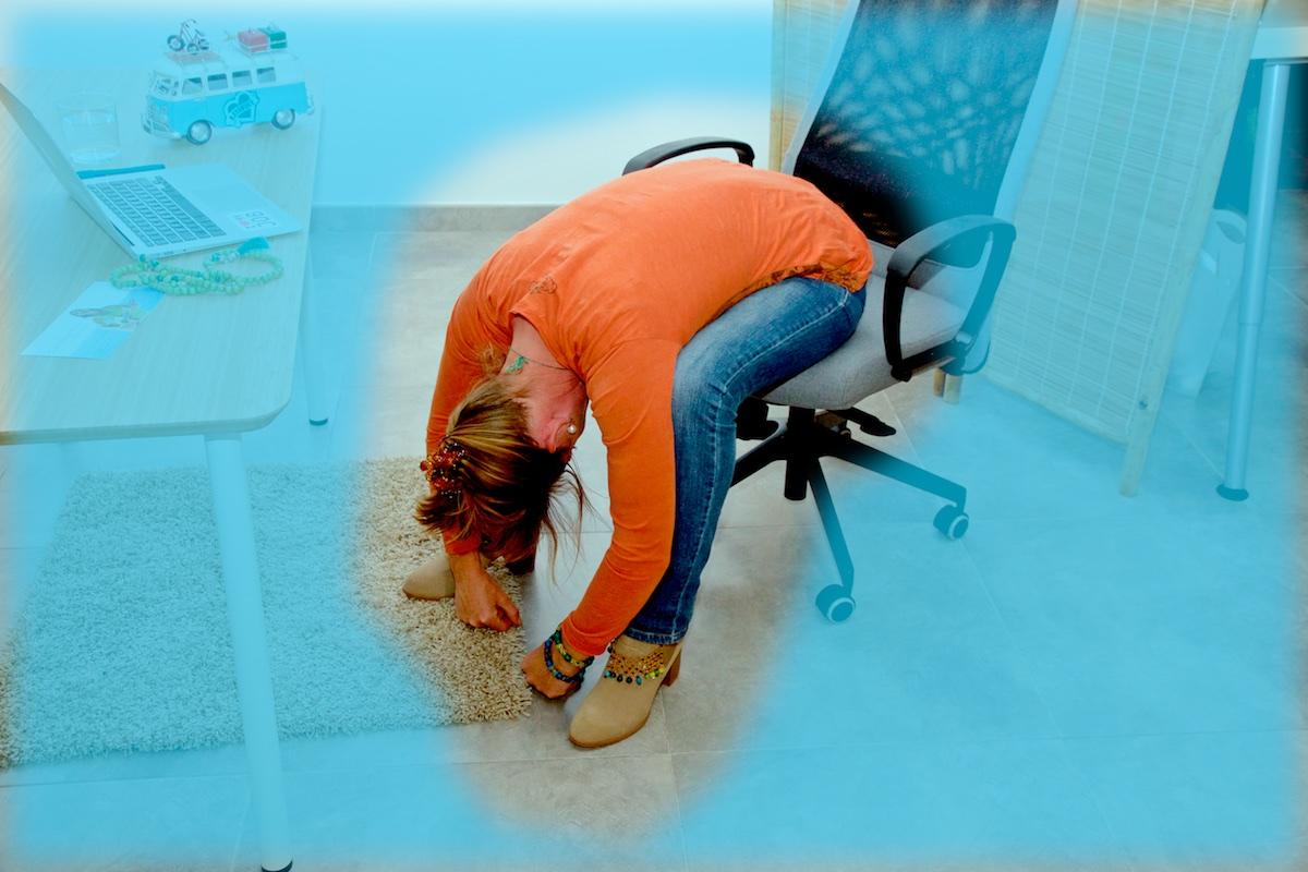yoga laptop asana tiefe vorbeuge